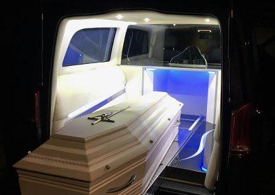 Cercueil blanc